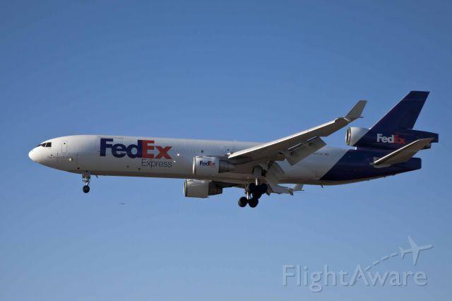 Boeing MD-11 (N577FE) - LAX