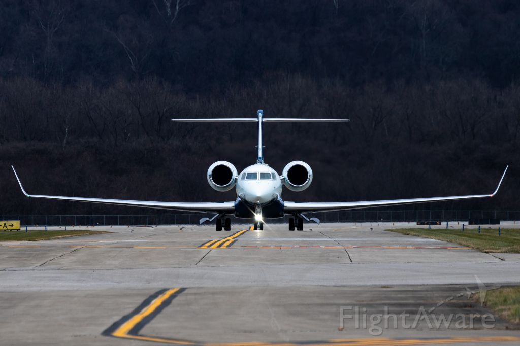 Gulfstream Aerospace Gulfstream G650 (N2PG) - Face to face with the beast. Look at that incredible wingspan! P&G's G-VI taxis in at LUK.
