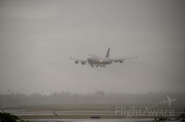 Boeing 747-400 (N118UA) - United