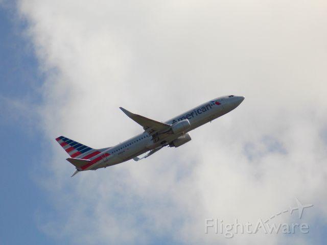 Boeing 737-800 (N989AN) - N989AN operating AAL2154.