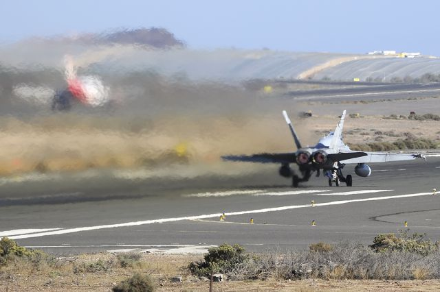 McDonnell Douglas FA-18 Hornet (C1588)