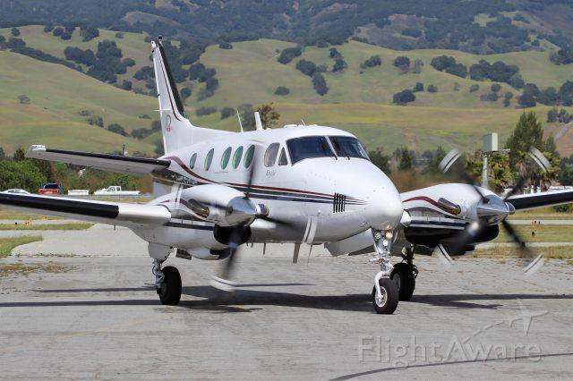 Beechcraft King Air 90 (N3818C)