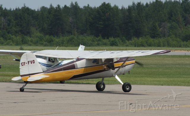 Cessna 140 (C-FFVO) - a plane from the 60