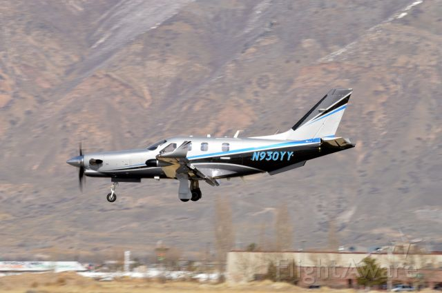 Daher-Socata TBM-900 (N930YY) - On short final for 30 arriving from Logan (KLGU/LGU).