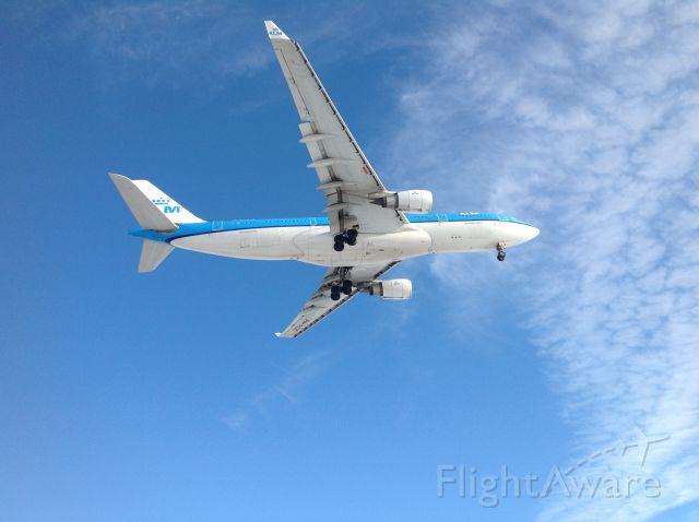 Airbus A330-200 (PH-AOK)
