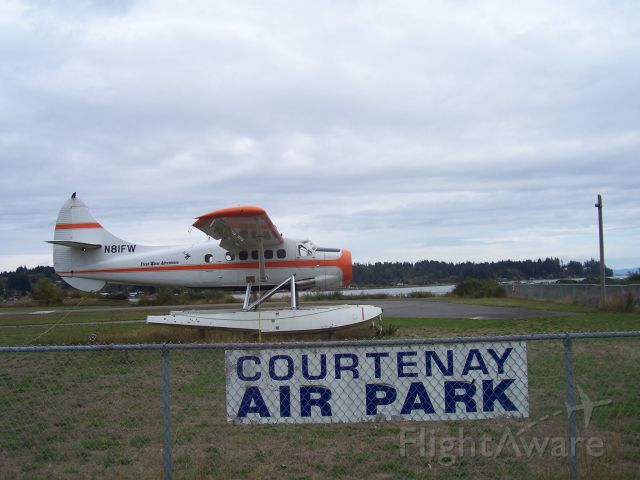 Piper Aerostar (N81FW) - Courtenay Airpark - our local airfield on the estuary between Comox & Courtenay, BC
