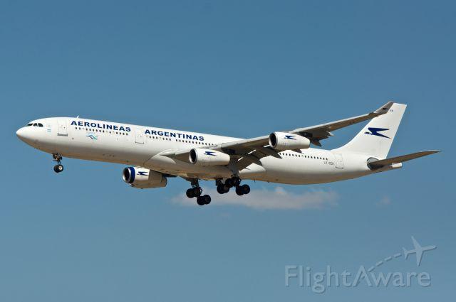 Airbus A340-300 (LV-CEK) - Airbus A340-312 Aerolineas Argentinas LV-CEK
