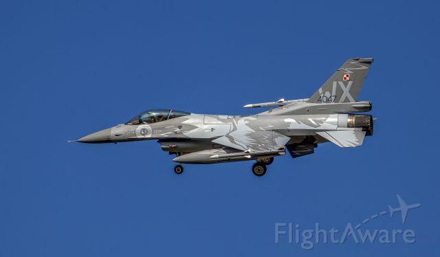 Lockheed F-16 Fighting Falcon (N4047)