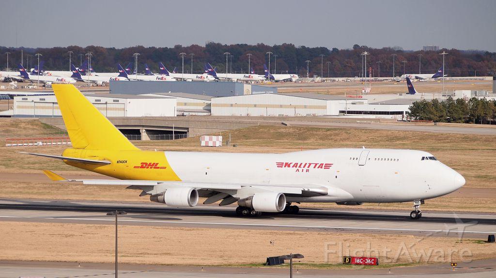 Boeing 747-400 (N743CK)