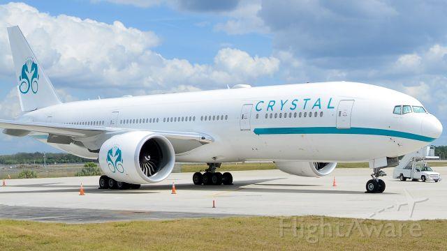Boeing 777 (P4-XTL)