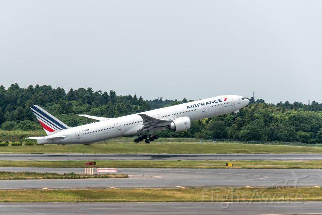Boeing 777-200 (F-GSQK)