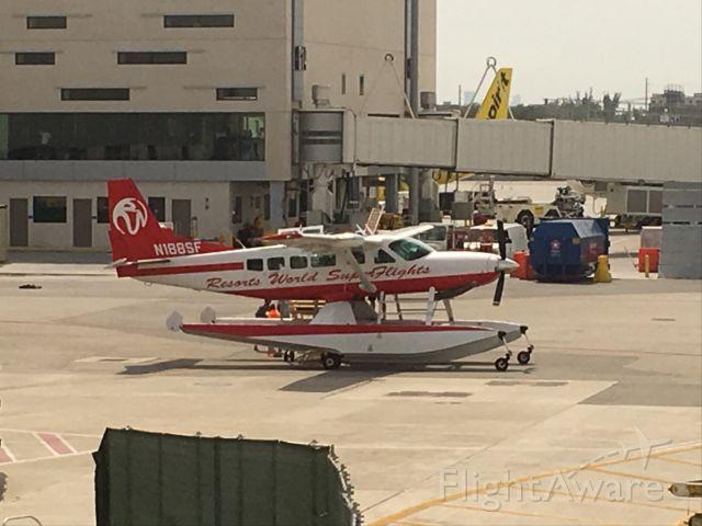 Cessna Caravan (N188SF) - Increíble avión anfibio...!!!