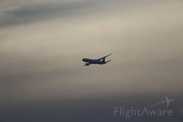 BOEING 777-300ER (G-STBA)