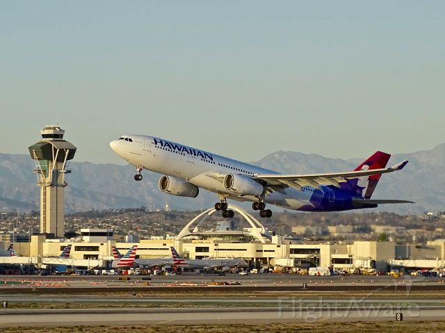 """Airbus A330-200 (N373HA) - <a rel=""""nofollow"""" href=""""http://flightaware.com/live/flight/N373HA/history/20180221/0055Z/KLAX/PHNL"""">https://flightaware.com/live/flight/N373HA/history/20180221/0055Z/KLAX/PHNL</a>"""