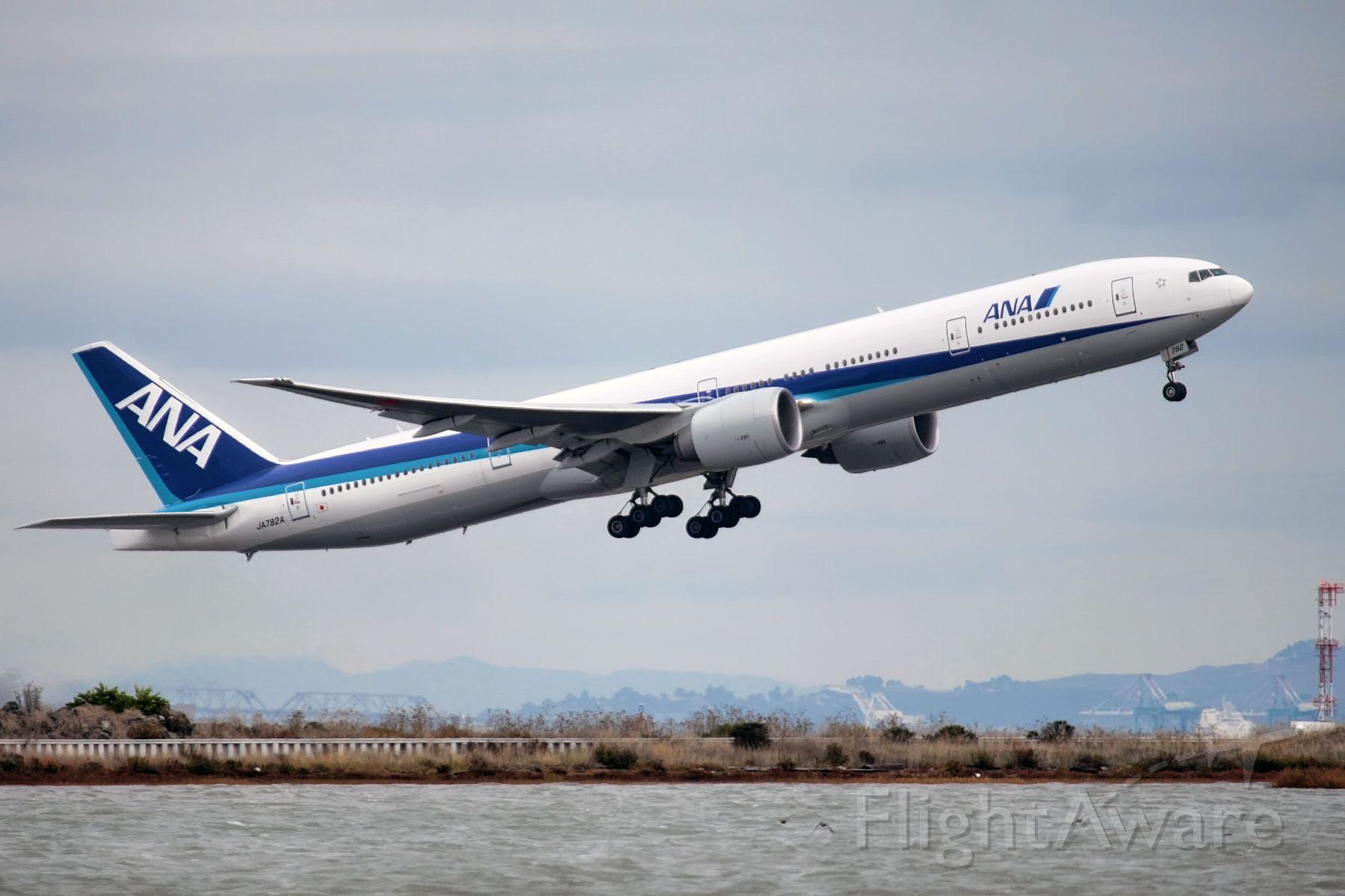 Boeing 777-200 (JA782A)