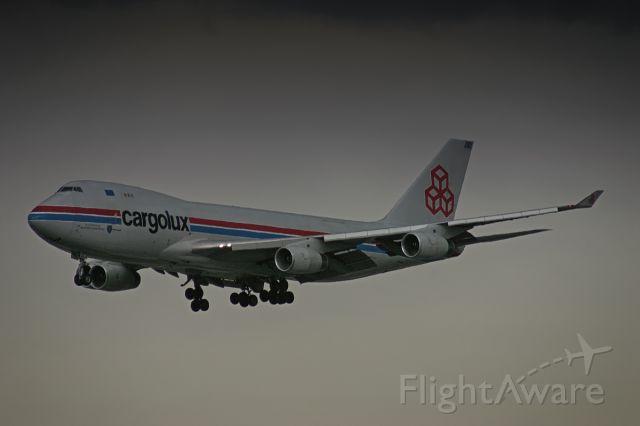 Boeing 747-400 (LX-OCV) - Spooky evening