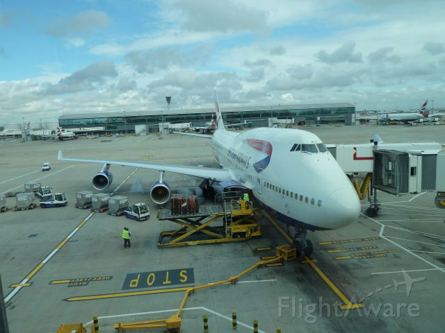Boeing 747-400 (EGN123AB) - Picture of a 747 while at London