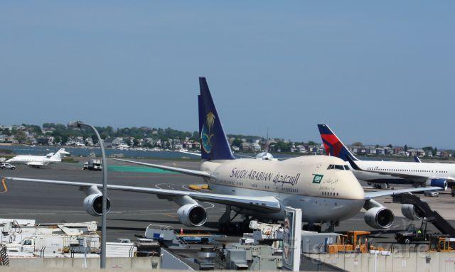 BOEING 747SP (HZHM1B)
