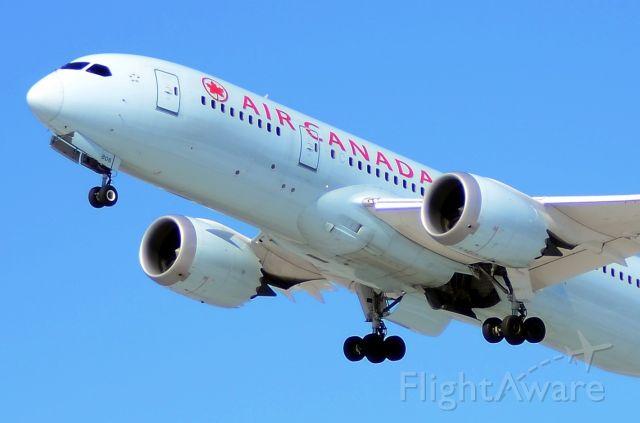 Boeing 787-8 (C-GHPY)