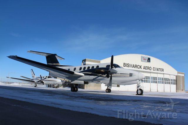 Beechcraft Super King Air 200 (N901BA) - Bismarck Aero Center