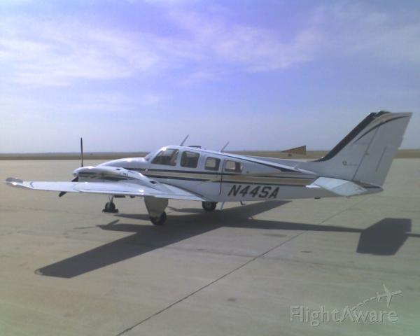 Beechcraft Baron (58) (N44SA)