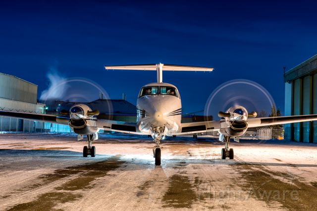 Beechcraft Super King Air 200 (C-FAXD) - Another late night dispatched medevac flight from Calgary. Flown by Integra Air / Bar XH Air.
