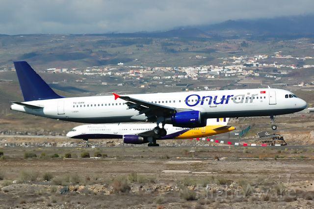 Airbus A321 (TC-OAN) - Tenerife Sur<br />27/11/2007