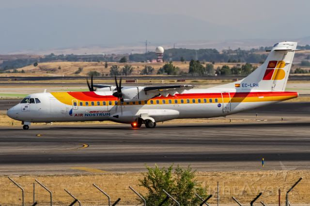 ATR ATR-72 (EC-LRH) - EC-LRH Air Nostrum ATR 72-600 (72-212A) coming in from San Sebastian (EAS) @ Madrid Barajas Airport (MAD) / 21.08.2015