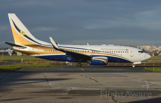 Boeing 737-700 (TT-ABD) - TCHAD GOUVERNEMENT