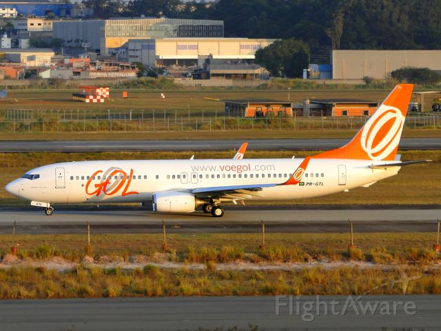 Boeing 737-800 (PR-GTL) - Dedicated this picture for my friend spotter and flight attendant, Andrews Claudino.