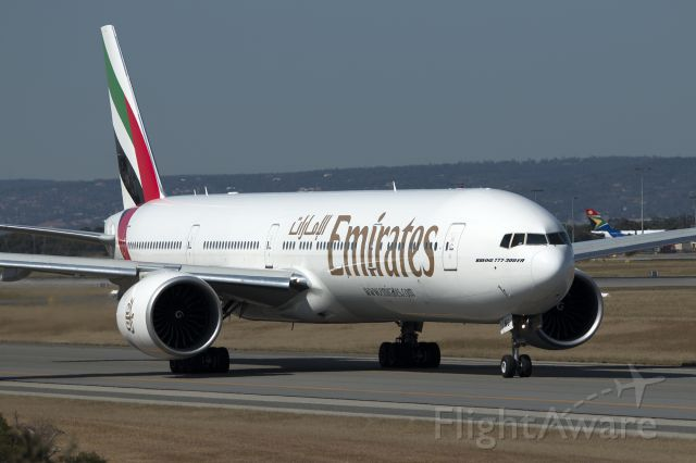 Boeing 777 (A6-ENG)