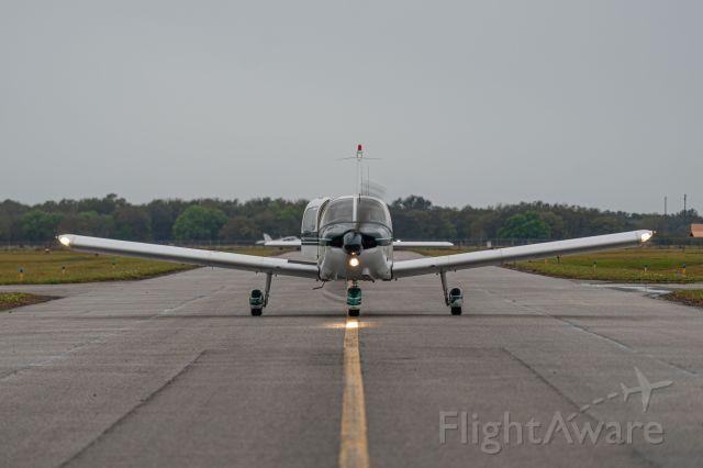 Piper Cherokee (N8990J) - Holding that centerline