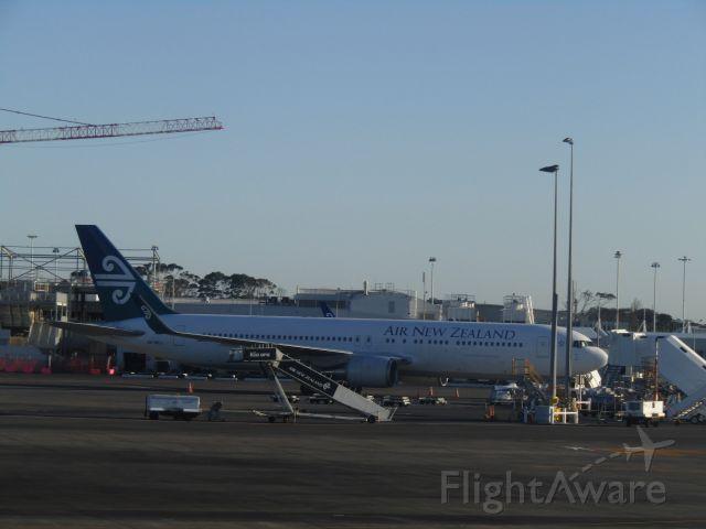 BOEING 767-300 (ZK-NCJ)