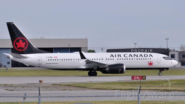 Boeing 737 MAX 8 (C-FSDB)