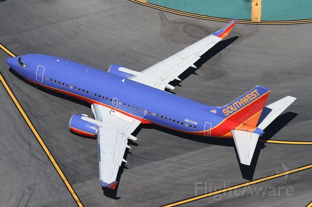 BOEING 737-300 (N613SW)