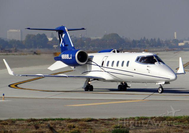 Learjet 60 (N888LJ)