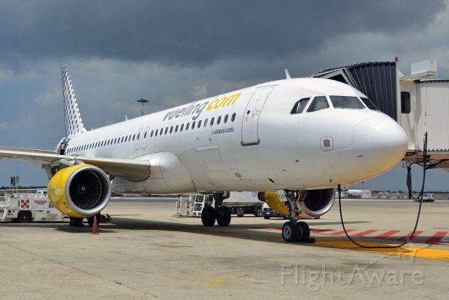 Airbus A320 (EC-KHN)
