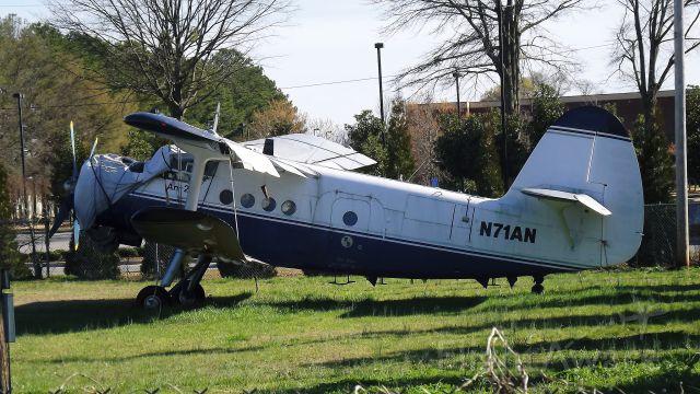 Antonov An-2 (N71AN)