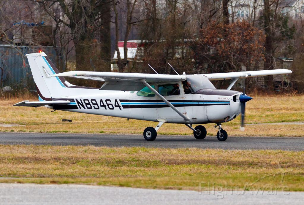 Cessna Skyhawk (N89464)