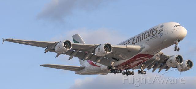 Airbus A380-800 (A6-EON) - Short final RWY 23