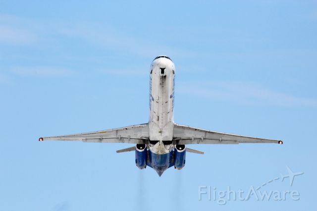 McDonnell Douglas MD-83 (N407NV) - Climbing out of Appleton, WI USA