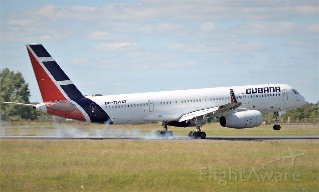 Tupolev Tu-214 (CUT1702) - cubana tu-204-100e cu-t1702 landing at shannon 3/7/19.