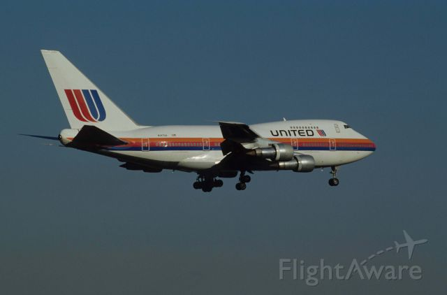 BOEING 747SP (N147UA) - Final Approach to Narita Intl Airport Rwy16 on 1990/11/24