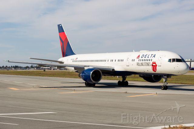 Boeing 757-200 (N650DL)