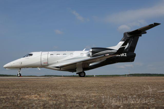 Embraer Phenom 300 (N65KZ)