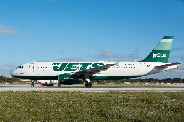 Airbus A320 (N746JN) - NY Jets livery...first appearance on FlightAware.