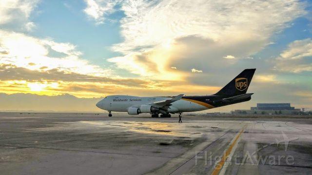 Boeing 747-400 (N574UP) - 12-18-2018