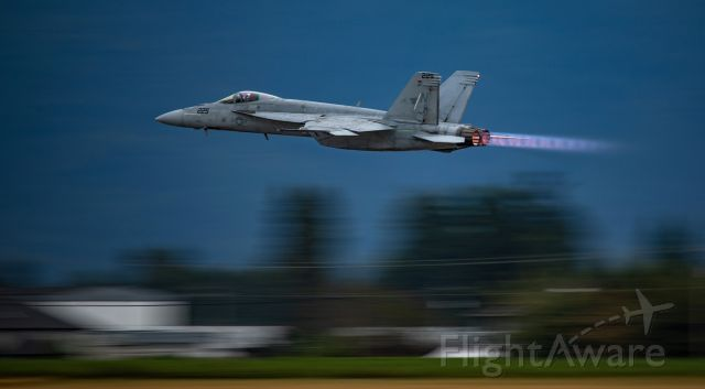 — — - Got lucky on this pan of the West Coast Rhino Demo FA18E at the Abbotsford Air Show evening show. VFA122 Flying Eagles