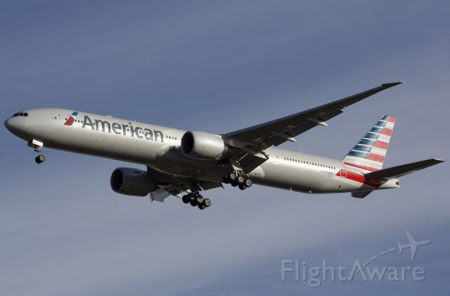 """BOEING 777-300ER (N734AR) - Arriving to DFW (please view in """"full"""" for highest image quality)"""