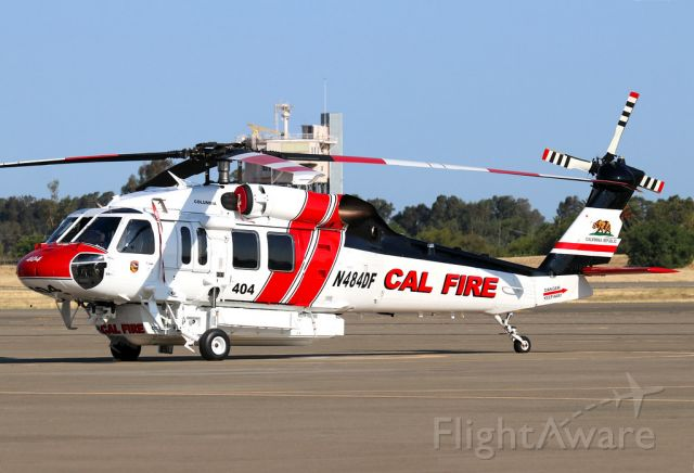 N484DF — - Copter 404 waiting to depart back to coulmbia